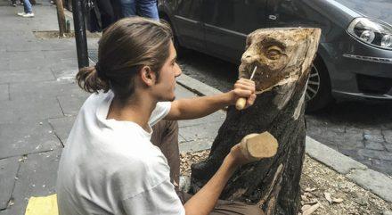 Andrea Gandini: nuova vita ai tronchi di Roma
