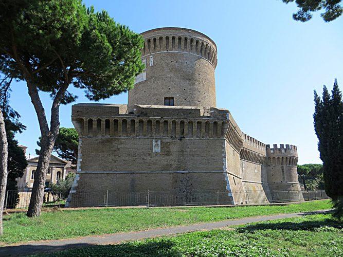 Ostia_Antica-Castello_di_Giulio_II